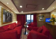Yacht Club Royal Suite con gran balcone sul mare