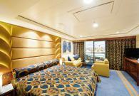 Yacht Club Deluxe Suite con balcone sul mare
